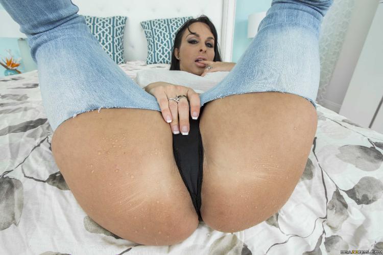 Bare ass women
