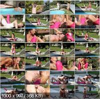 18Dom - Zilda - Swim Coach [HD 720p]