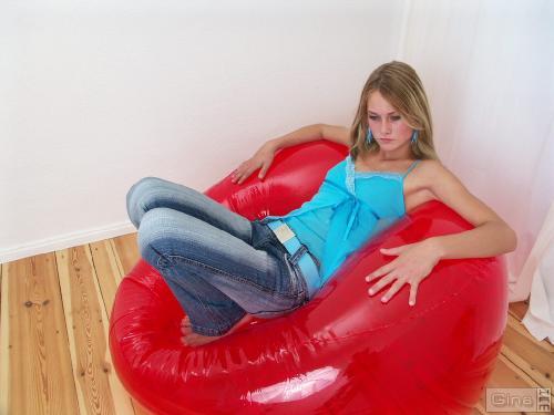 Gina-Set-23-2005